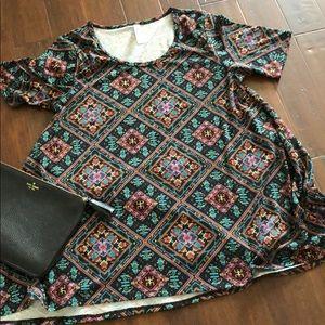 NWOT LulaRoe Perfect T - Size Medium